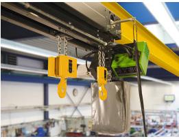 Talha de duplo gancho STAHL STD Vario: Transporte seguro de cargas de diferentes comprimentos